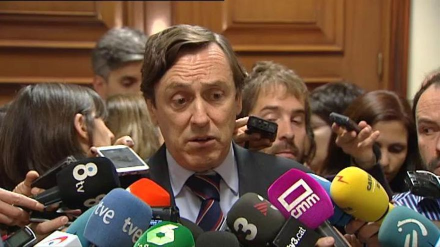 PP y PSOE pactan que Oramas y Quevedo presidan las comisiones de investigación