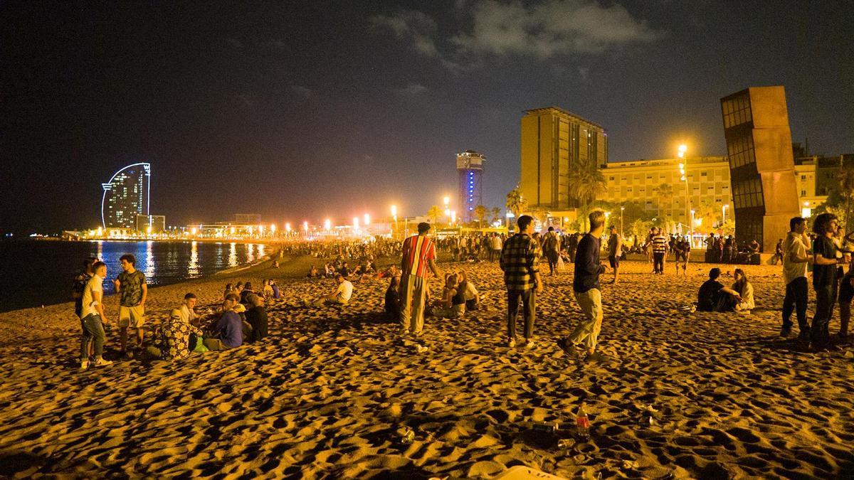 La primera nit amb el nou toc de queda a Catalunya transcorre sense incidents.