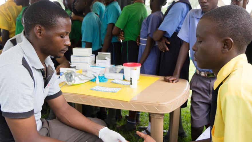 Comença el primer programa mundial de vacunació contra la malària