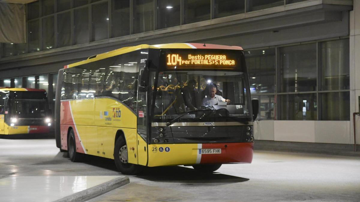 Imagen de archivo de uno de los autobuses interurbanos.