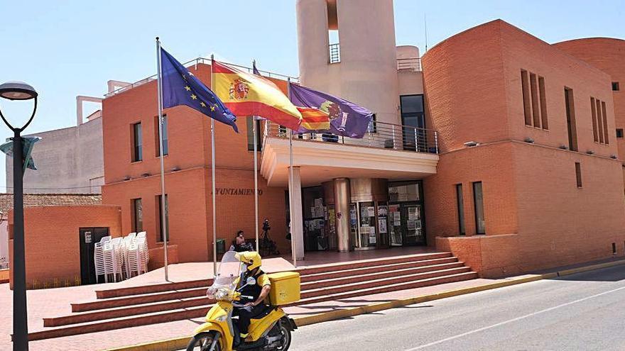 Denuncian al Ayuntamiento de Los Montesinos ante Trabajo  por incumplir supuestamente la normativa contra el virus