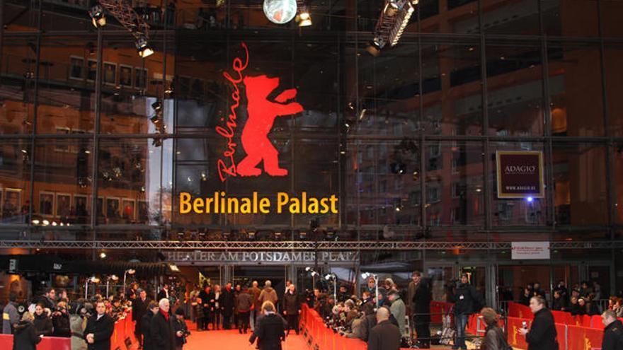 Ruizpalacios, Brühl y Sang-soo, en una Berlinale cerrada y sin alfombra roja