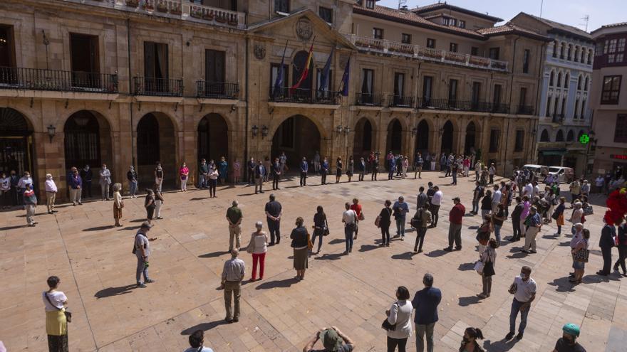El Ayuntamiento de Oviedo convoca 3 minutos de silencio por los asesinatos ocurridos esta semana, en memoria de las victimas de la violencia vicaria y violencia de género