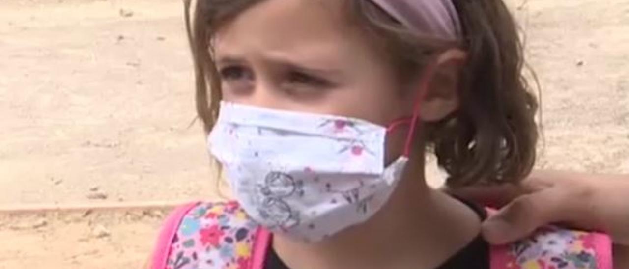 """""""Es mejor eso que morirse"""": la niña que ha hecho viral en las redes la vuelta al cole"""