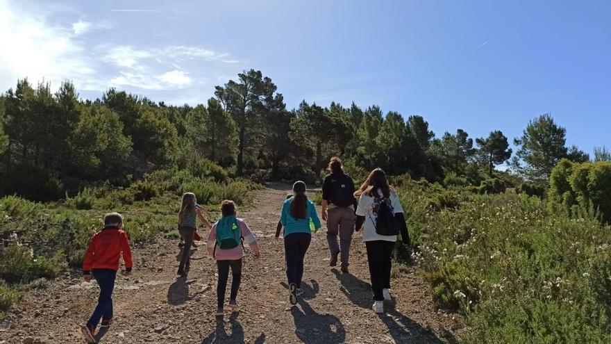 La Vall d'Almonacid salva su escuela gracias a la llegada de una familia desde Canarias