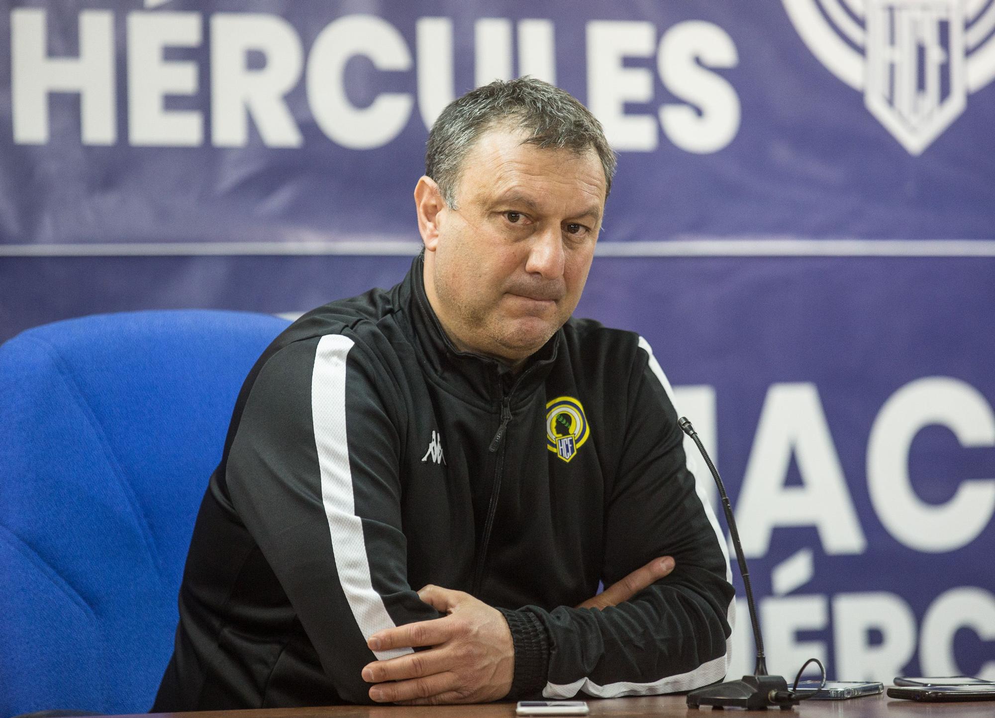 Presentación del nuevo entrenador del Hércules, Manolo Díaz