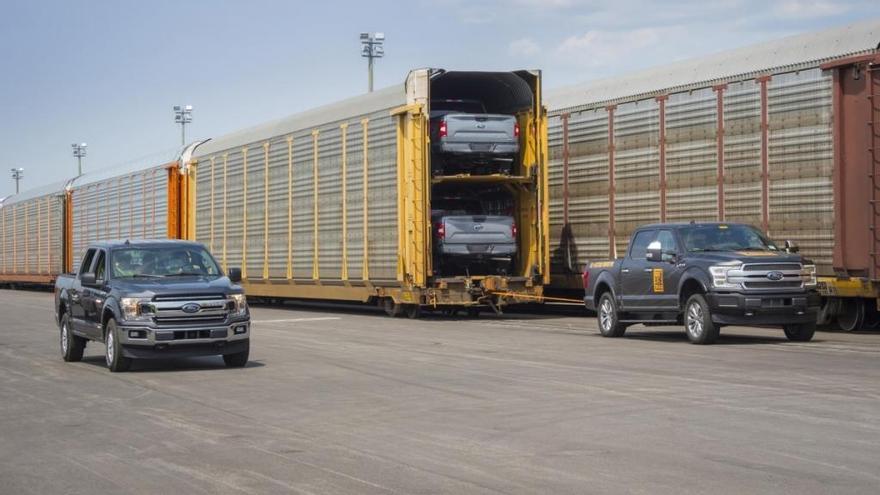 La nueva Ford F-150 100% eléctrica es capaz de remolcar un tren