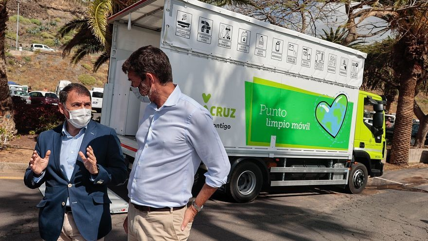 Santa Cruz inaugura un Punto Limpio móvil para recoger residuos peligrosos