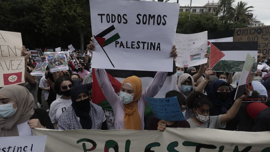 Cientos de personas se concentran en Palma para expresar su apoyo al pueblo palestino