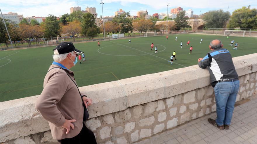 Un club de fútbol compara la suspensión de partidos con la Cabalgata de Reyes y Reinas Magas