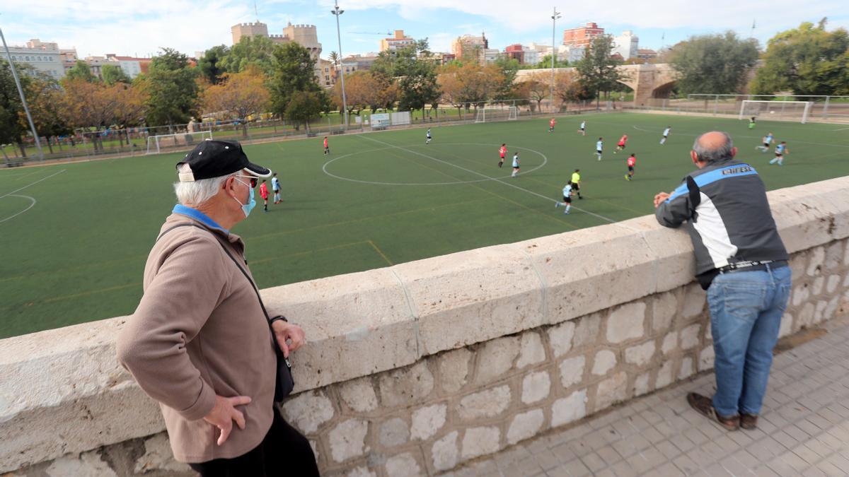 Los partidos de fútbol base han vuelvo a pausarse