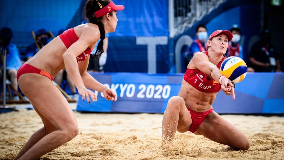 The Spanish beach volleyball couple Elsa Baquerizo and Liliana Fernández