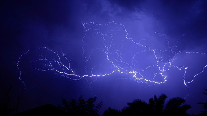 Más de 280 rayos impactaron durante la noche del jueves en Castellón