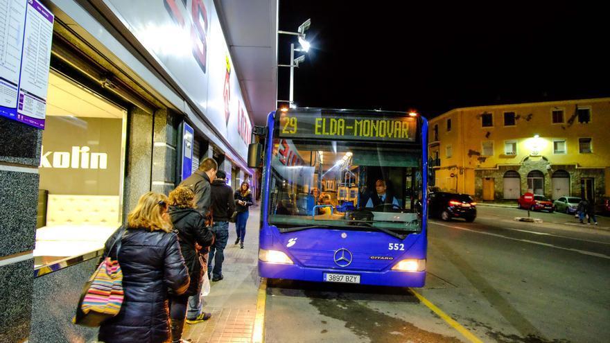 Cien becas de 200 euros al transporte universitario en Elda
