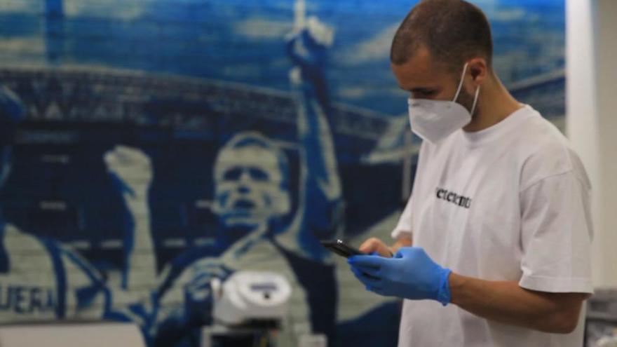 La plantilla del Dépor se somete a las pruebas del coronavirus en Abegondo