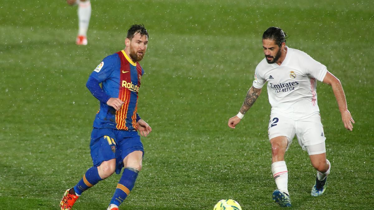 Messi e Isco, durante el último 'Clásico'.