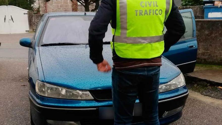 Vende su coche embargado a un familiar en Pontevedra