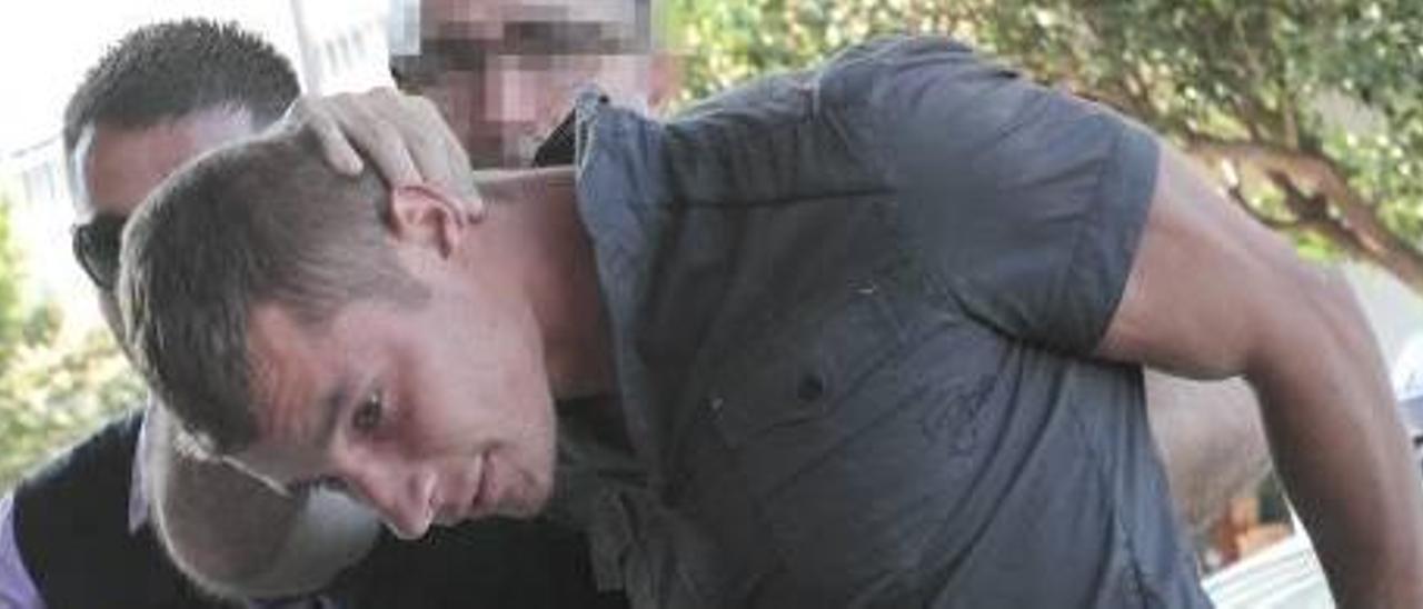 Los detenidos se ensañaron con Javier Abil y le acuchillaron una veintena de veces