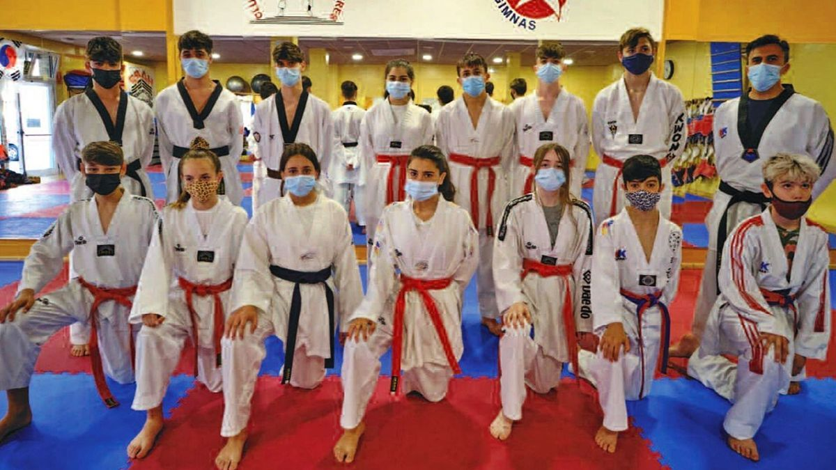 El grup de competició del Jan-su Figueres
