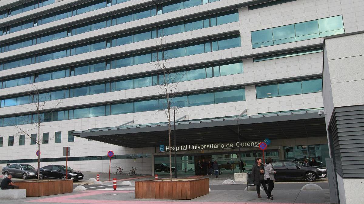 El Complejo Hospitalario de Ourense, donde han fallecido dos mujeres. // Iñaki Osorio