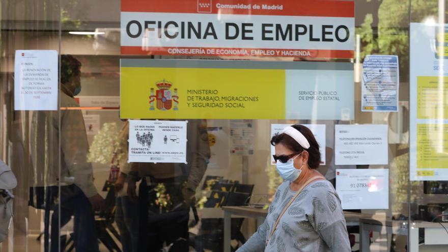 El SEPE lleva a la Fiscalía la venta de citas previas para hacer trámites en Barcelona