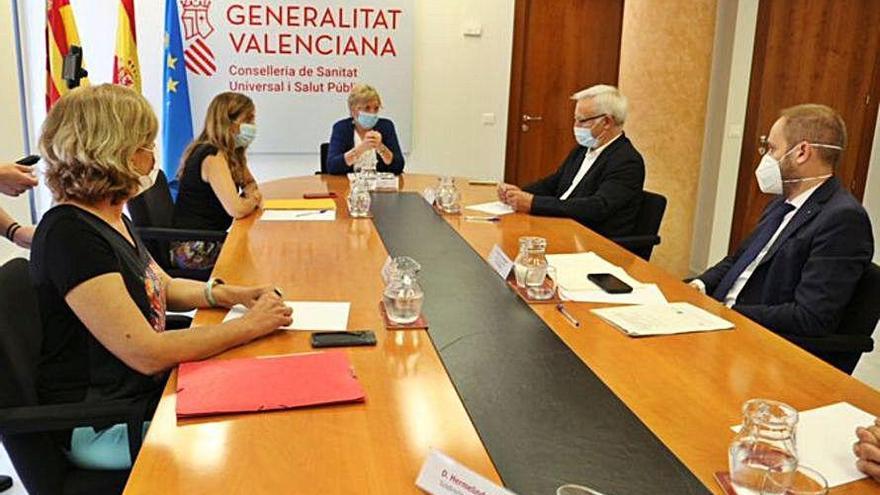 València acerca posturas con Sanidad en la lucha contra el virus