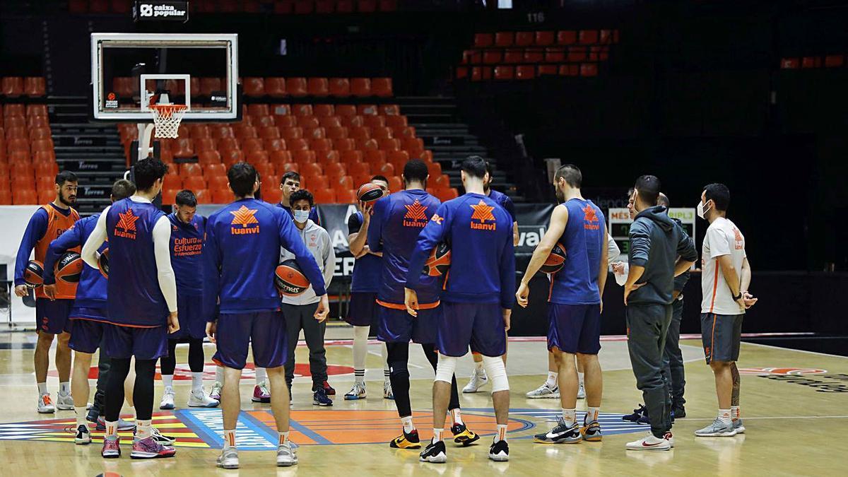 El Valencia BC ya se encuentra plenamente concentrado en la Liga Endesa. | J.M.LÓPEZ