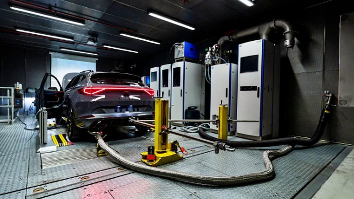 Interior d?un dels espais dins el nou centre de test de motors de Seat