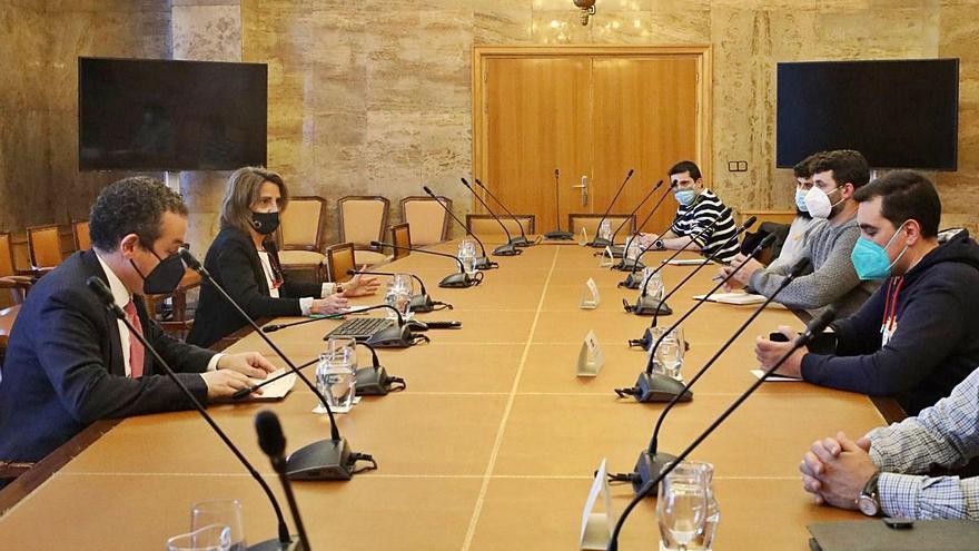 """La ministra convocará la mesa de trabajo de Ence con el objetivo de """"mantener el empleo"""""""