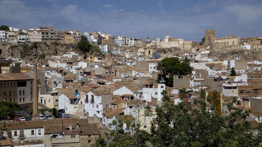 La Marina Alta,  la Hoya de Buñol  y Camp de Túria son las que más población ganan