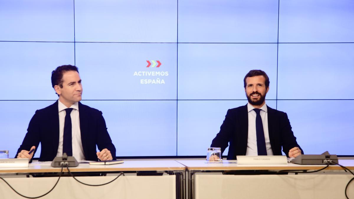 El secretario general del PP, Teodoro García Egea, y el presidente del Partido Popular, Pablo Casado.