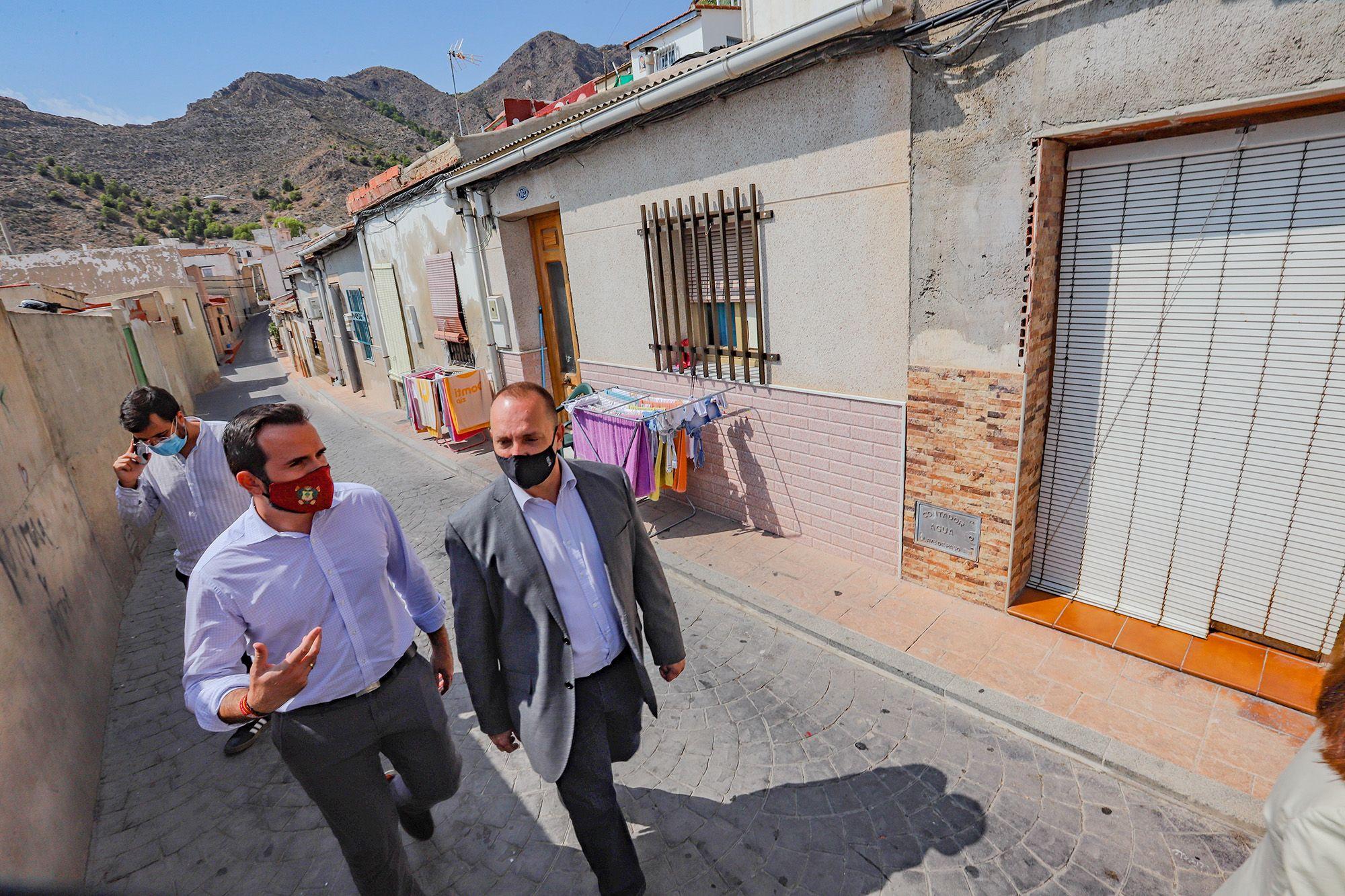 Ayuntamiento y Generalitat actuarán en la calle Pardo Bazán de Callosa para evitar su hundimiento
