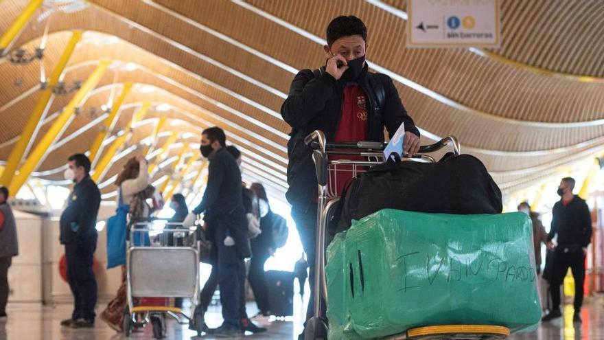 Madrid, Canarias y Andalucía, las CCAA con más casos importados del extranjero