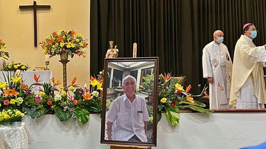Cali llora al sacerdote asturiano Pepe Pérez
