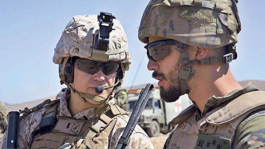 Los marines estadounidenses se adiestran en ambientes áridos