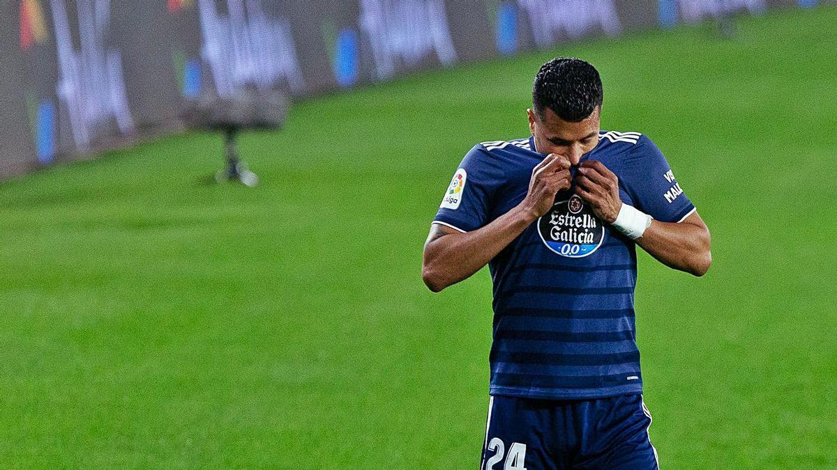 Murillo abandona lesionado el partido en el segundo tiempo. |  // EFE