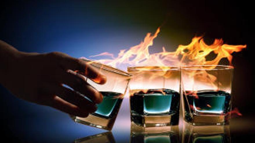 Drei Barbesucher in Palma durch Flaming Cocktails schwer verletzt