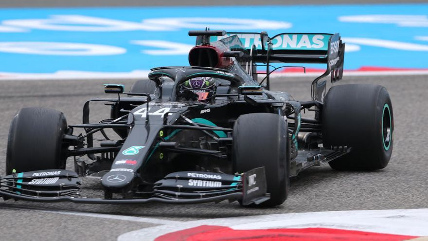 Hamilton domina la primera tanda de libres en Baréin