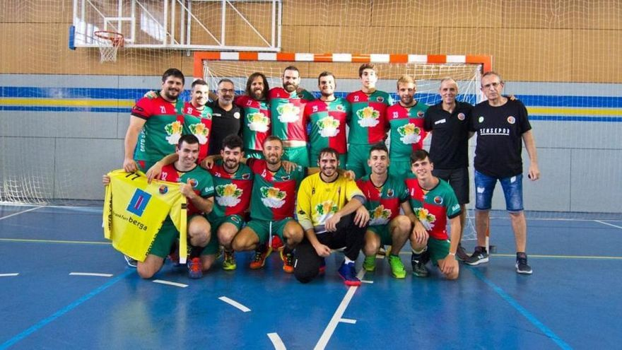 Tres jugadors del primer equip de l'Handbol Berga donen positiu de covid-19