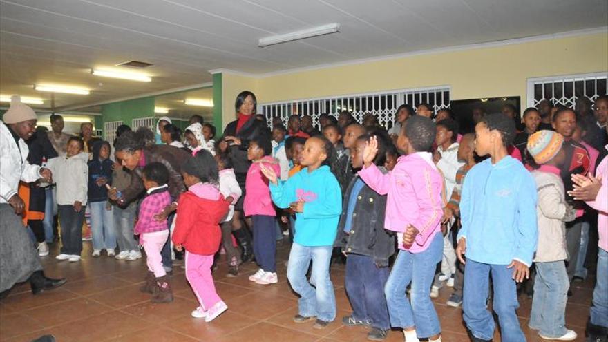 La oenegé del niño Nkosi lidera la lucha contra el sida en Sudáfrica
