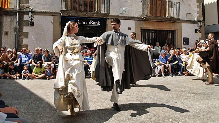 Les danses tradicionals tornen de ple a la Festa Major de Castellterçol d'enguany