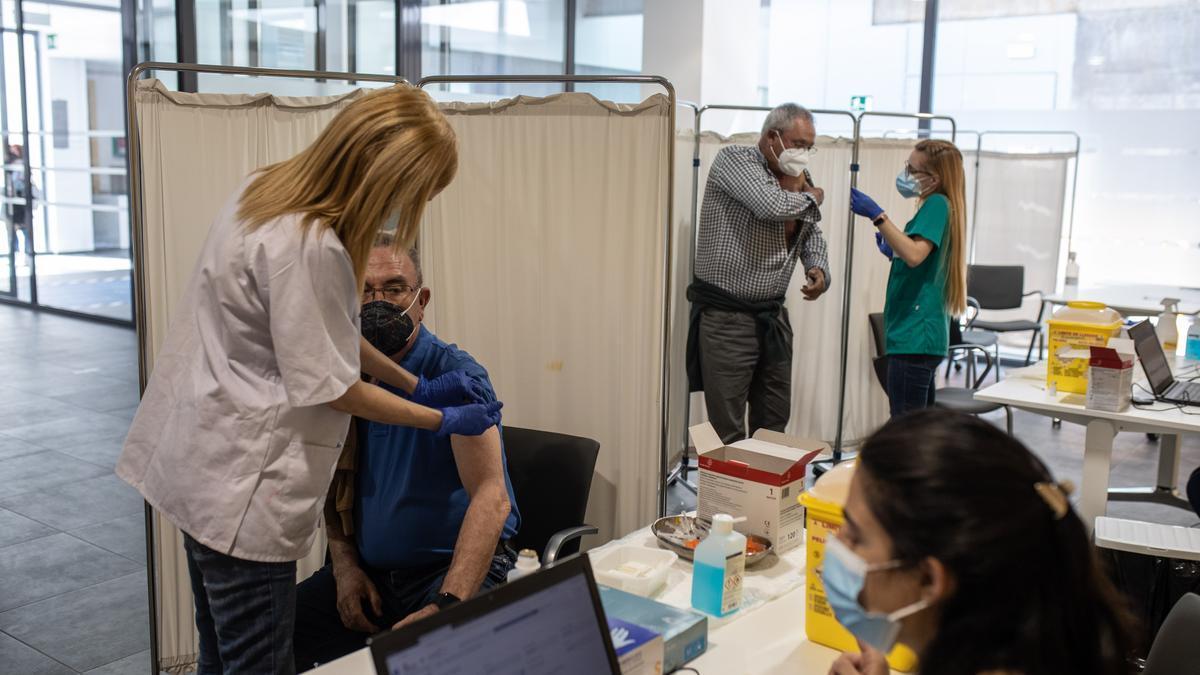 Vacunación contra el coronavirus en Zamora en una imagen de archivo en el Teatro Ramos Carrión.