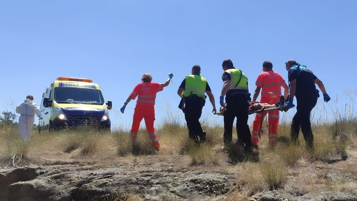 Policía Municipal y sanitarios del 112 rescatan al herido