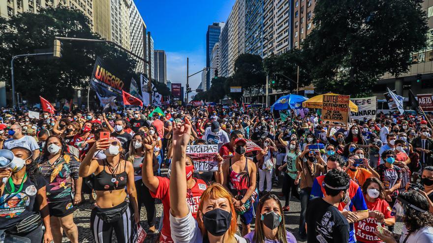 Brasil vuelve a las calles para forzar la marcha de Bolsonaro