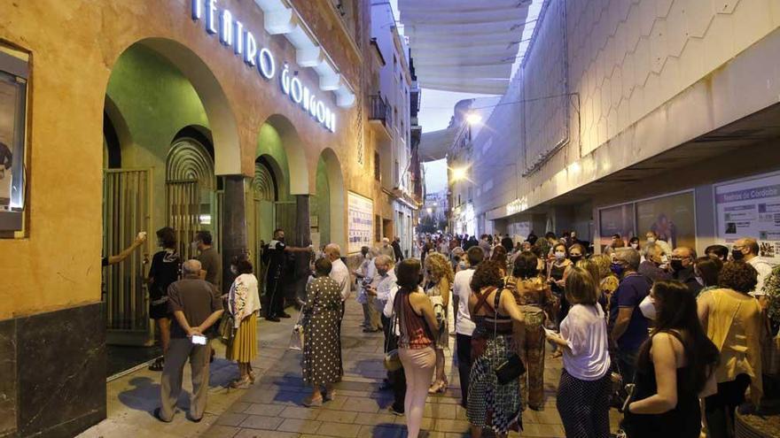 Córdoba intenta reactivar su actividad cultural y social