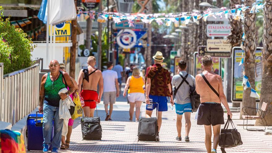 El sector turístico provincial pide bajar el IVA al 4% para relanzar el consumo