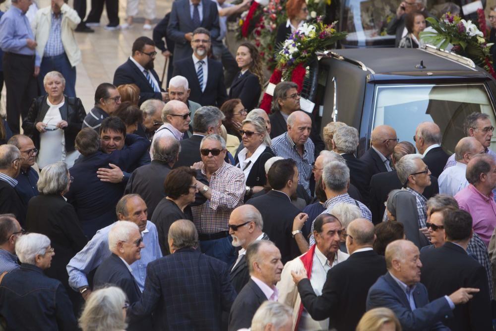 Adiós a Antonio Vivo entre aplausos