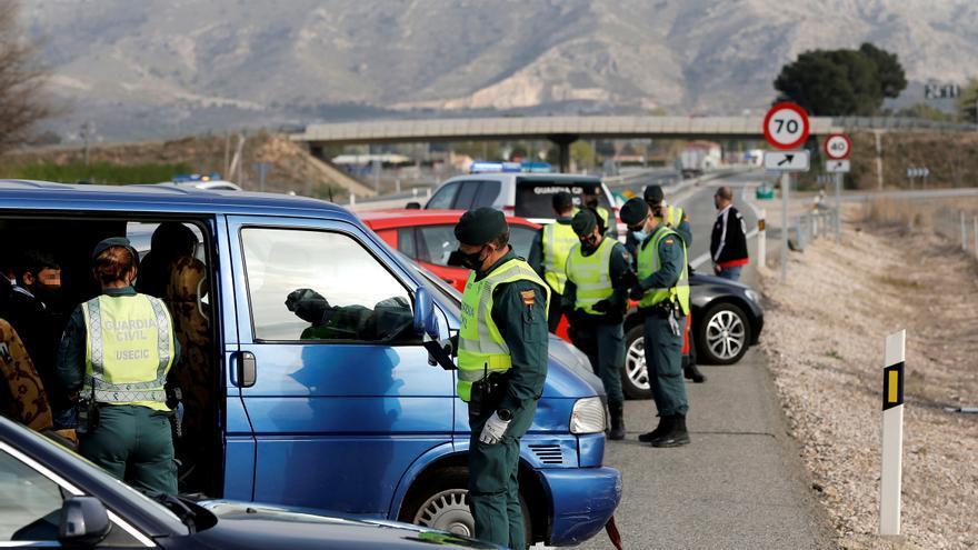 Las multas por usar el móvil ya casi duplican a las de alcohol y drogas en Castellón