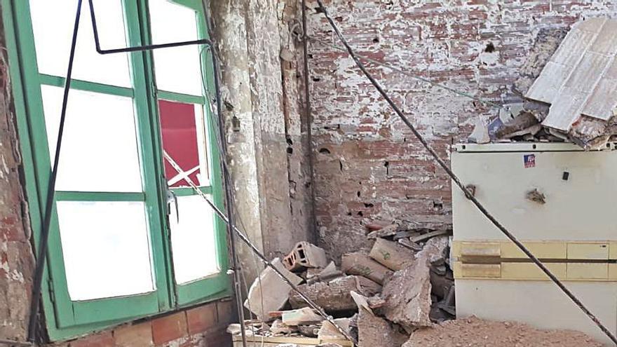 Los vecinos de Lavador 23 temen que se declare la ruina inminente de la finca