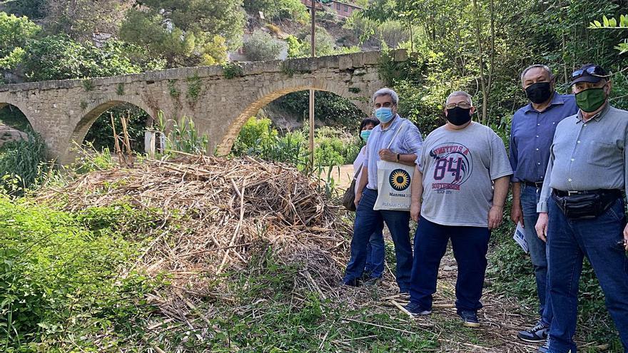 Entitats de Manresa fan pinya perquè s'arregli l'aqüeducte de la font dels Llops